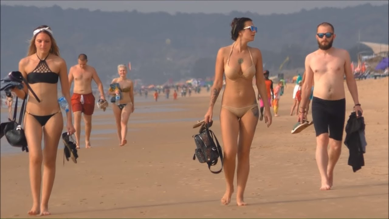 Watch full naked girls on the beach